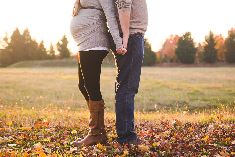 Julie and Jason Maternity Photos – Portland, Oregon Maternity Photographer