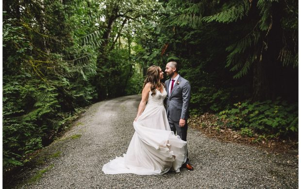 SUMMIT GROVE LODGE WEDDING – MOLLY + SPENCER